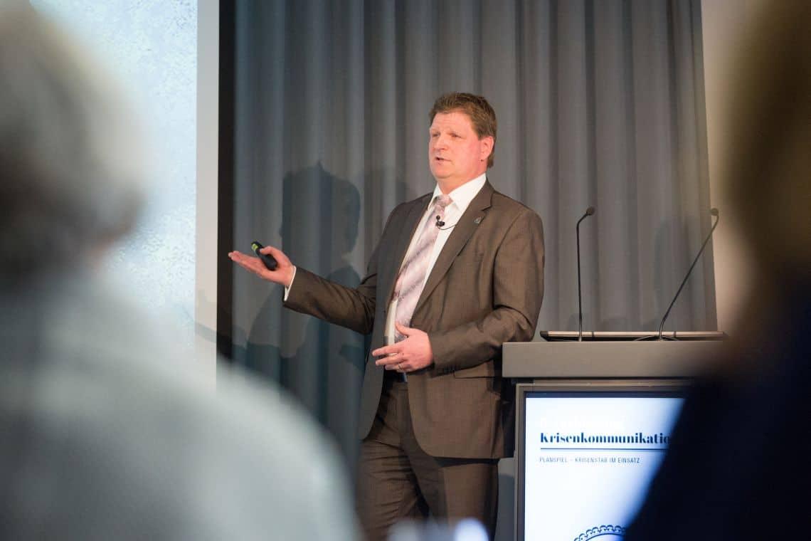Dr. Mark Frank, Dozent auf der 9. Fachtagung Krisenkommunikation in Berlin (c) Laurin Schmid