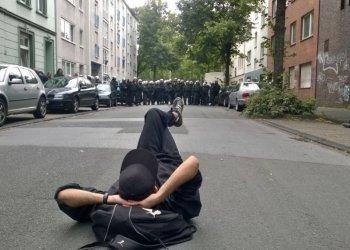 """""""Social Media-Foto"""", Platz 2: Schnappschuss auf einer Demonstration gegen Rechts in Dortmund. (c) Robert Rutkowski"""