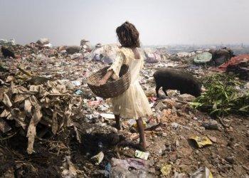 """Gewinner in der Kategorie """"NGO"""": Ob auf den Müllfeldern in Ziegel- oder Textilfabriken - viele indische Kinder arbeiten, um ihrer Familie bei der Existenzsicherung zu helfen. Die German Doctors engagieren sich unter anderem in mehreren Projekte in Indien, um genau diese Situation vor Ort zu verbessern. (c) Maurice Ressel"""