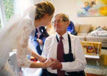 """""""Einmal noch...zur Hochzeit des Sohnes"""" / Arbeiter-Samariter-Bund Deutschland e.V. Susanne Hörle (c) Hannibal Hanschke"""