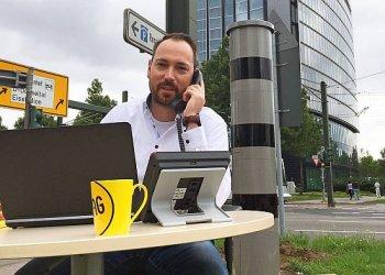 """Versicherungsberatung direkt am Blitzer"" / ARAG SE, Jakob Muziol (c) Jakob Muziol"