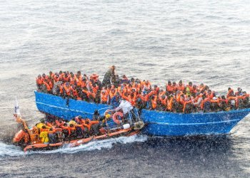Rettungsaktion der Helfer von SOS Méditerranée (c) Laurin Schmid