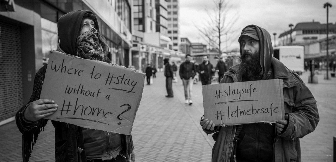 #LetMeBeSafe statt #StaySafe: Der Hamburger Verein Straßenblues schafft durch medienwirksame Aktionen Öffentlichkeit für die Probleme obdachloser Menschen. (c) David Diwiak