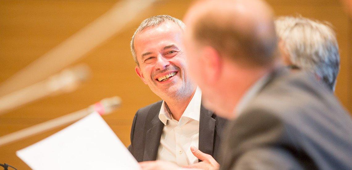 Die gute Laune vergeht Niko Härting (links) bei dem Thema DSGVO schnell. Der Datenschutzexperte sieht massive Probleme auf die Öffentlichkeitsarbeit zukommen. (c) Jana Legler