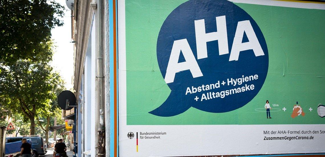 """Die Bundesregierung muss ihre Kampagne anpassen. """"Alltag mit Maske"""" wird künftig den Begriff """"Alltagsmaske"""" ersetzen. (c) Picture Alliance/Martin Schroeder"""