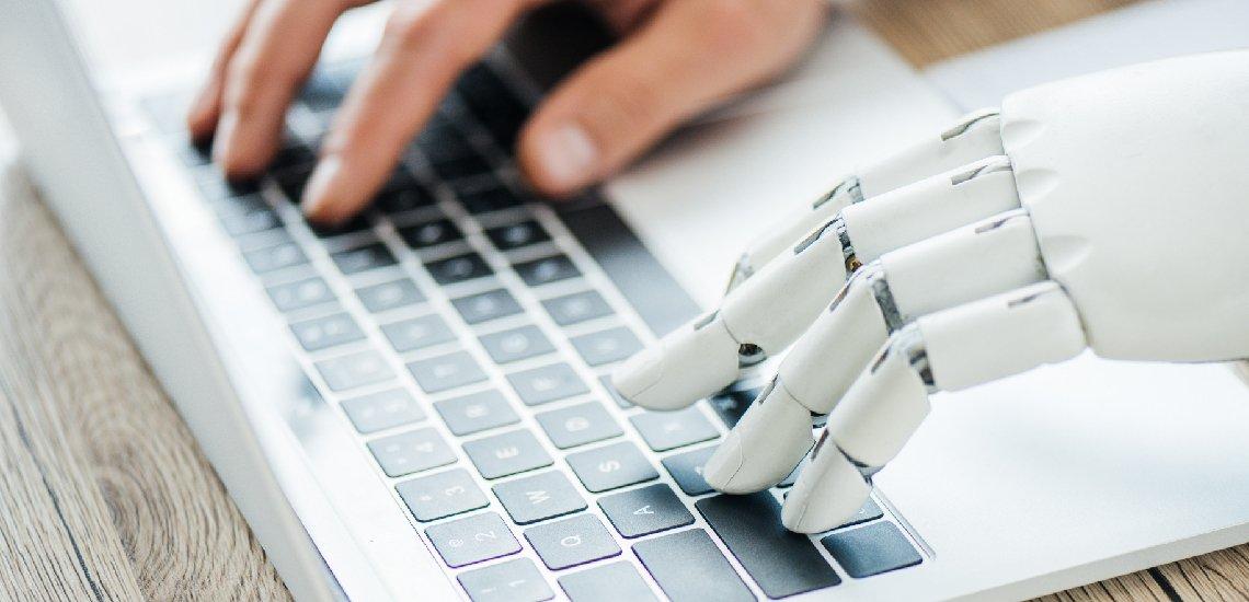 In Newsrooms wird es neben Themen- und Medienmanagern künftig auch Datenmanager geben. (c) LIGHTFIELD STUDIOS - stock.adobe.com