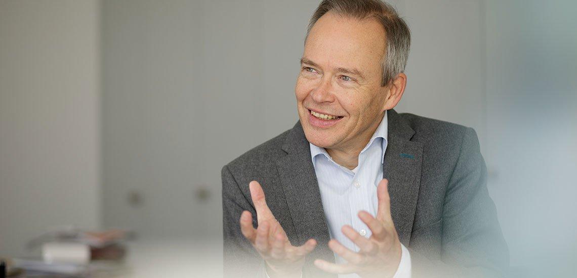 Die Twitter-Nutzung sei nicht mit Stefan Brinks Arbeit als Datenschützer vereinbar. / Stefan Brink: (c) LfDI BW, Jan Potente