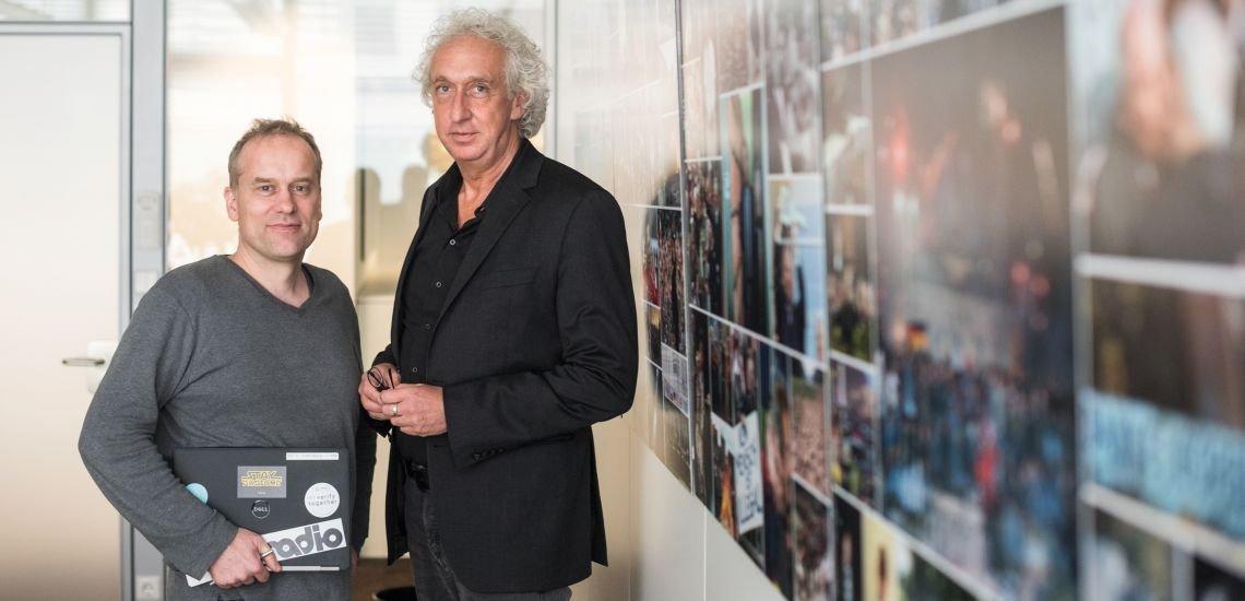 Verification Officer Stefan Voß (l.) und Nachrichtenchef Froben Homburger (r.) wollen mit einer neuen Verifikationseinheit den Faktencheck bei der dpa stärken. (c) Laurin Schmid