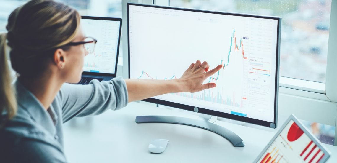 Eine Medienanalyse verschafft einen besseren Überblick, mehr Kontrolle und Handlungsoptionen für die Kommunikationsstrategie. (c) Getty Images/GaudiLab