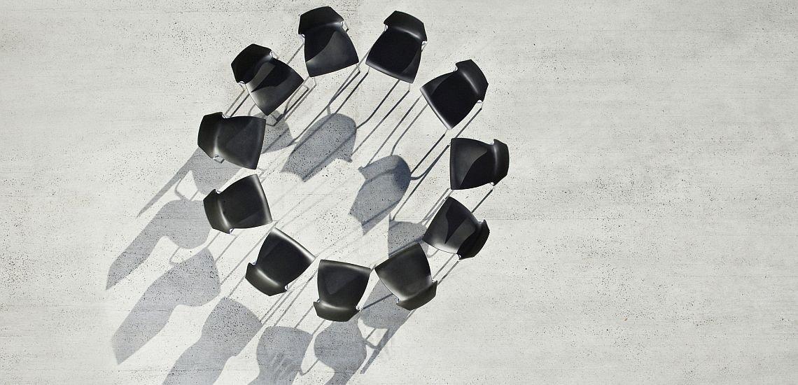 Zurückziehen gilt nicht: Auch Aufsichtsräte sollten laut einer Studie im Krisenfall öffentlich kommunizieren. (c) Getty Images/Martin Barraud