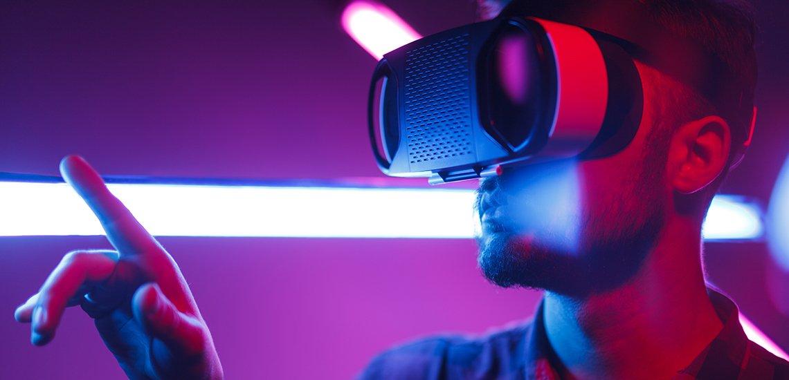 Welche Möglichkeiten bietet Virtual Reality für die Unternehmenskommunikation? (c) Getty Images / max-kegfire