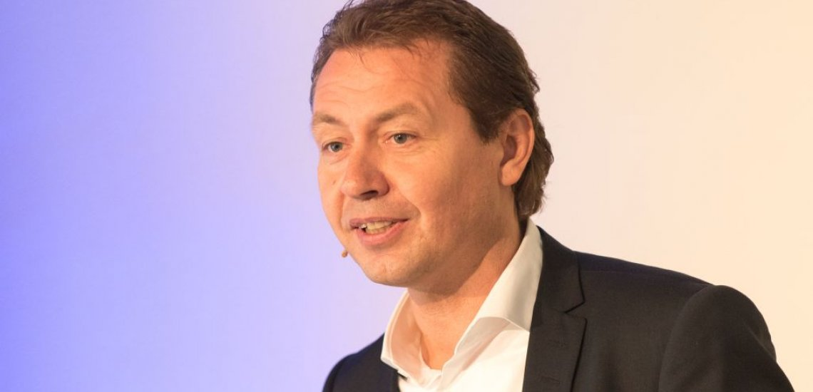 Ralf Köttker, Mediendirektor des DFB, bei seinem Vortrag auf dem Kommunikationskongress 2015 (c) Laurin Schmid
