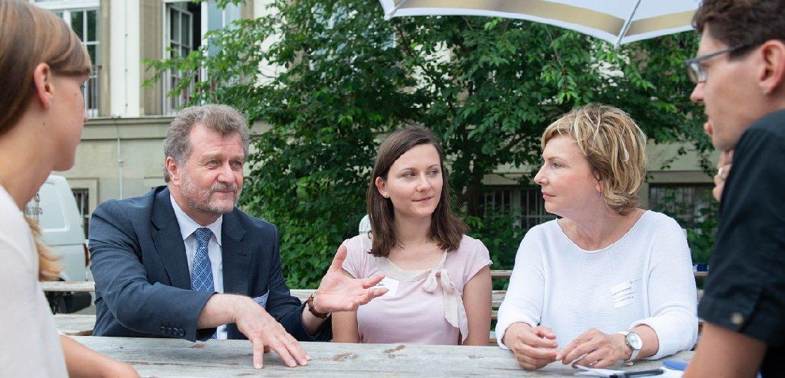 Auf Einladung des pressesprecher diskutierten am Rande der BdP-Sommerakademie in Mainz Anfang Juni Maren Letterhaus, Ulrich Kirsch, Elisa Stöhr und Gabriele Kaminski. (v.l.n.r.) (c) Ralf Werner
