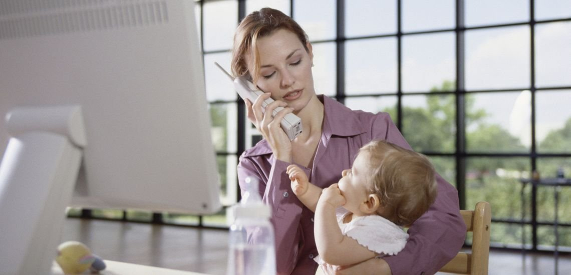 Besonders für Mütter ist die Vereinbarkeit von Beruf und Familie ein wichtiges Thema. (c) Thinkstock / Ingram Publishing