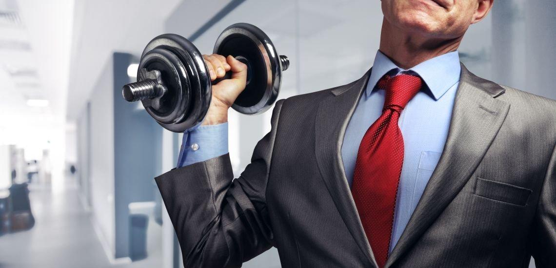 Büro-Fitness kann gegen Muskel- und Skeletterkrankungen helfen (c) Thinkstock/strixcode