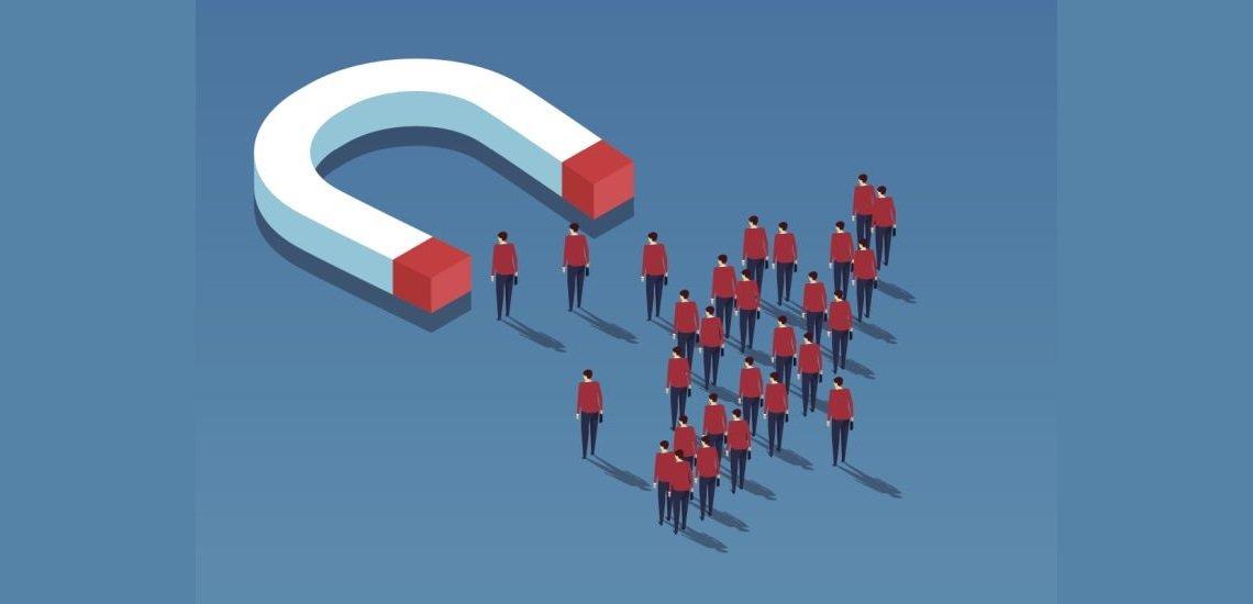 Im Idealfall sind Mitarbeiter zugleich Fans ihres Unternehmens. (c) Thinkstock/z_wei