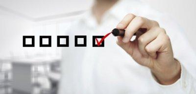 Umfragen in der Unternehmenskommunikation (c) Getty Images/iStockphoto/Peshkova