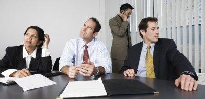 Viele Meetings sind überflüssig (c) Thinkstock/mark hunt