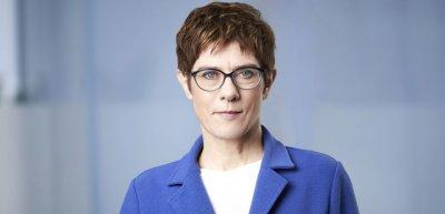 """Annegret Kramp-Karrenbauer will """"neue Regeln"""" für Meinungsäußerungen im Internet. (c) Laurence Chaperon"""