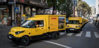 DHLs Fanfoto-Kampagne flopt. / DHL-Transporter: (c) DHL
