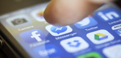 50 Prozent der befragten CEOs befürworten eine stärkere Regulierung von Facebook. (c) Getty Images / tomeng