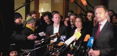 FDP-Chef Christian Lindner verkündet den Ausstieg seiner Partei aus den Sondierungsgesprächen. (c) Screenshot Facebook/FDP