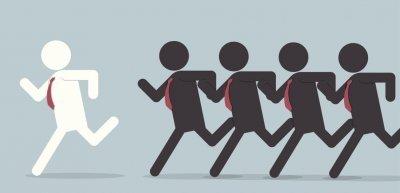 Ihr Chef verlässt fluchtartig ein Meeting? Rennen Sie hinterher! (c) Thinkstock/ojogabonitoo