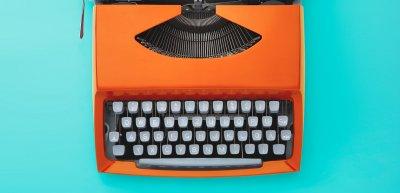 Kolumnist Claudius Kroker weiß, woran es dem Journalismus derzeit fehlt. (c) Getty Images/Filip_Krstic