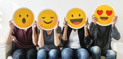 Hohes persönliches Engagement und Zusammenhalt im Team zeichnen erfolgreiche Social-Media-Teams aus. (c) Getty Images/Rawpixel
