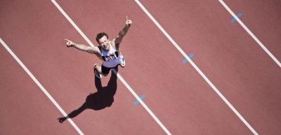 Jubelgesten wirken nur oberhalb der Gürtellinie positiv? Ein Mythos. (c) Getty Images/Paul Bradbury