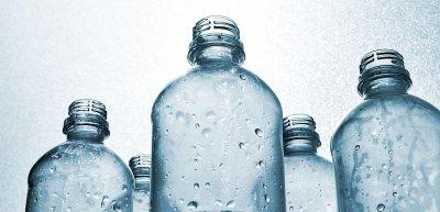 """Weg vom """"Plastik-Bashing"""": Mit einer Kampagne wollten zwei Verbände die Debatte um Kunststoff versachlichen. (c) Getty Images/Harry Wedzinga"""