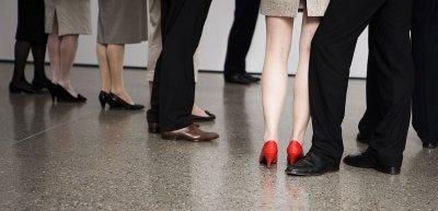 Am Arbeitsplatz können sich Frauen Sexismus kaum entziehen. (c) Getty Images/Alan Graf