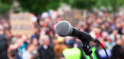 In Hannover gingen am Samstag rund 7.000 Menschen für die Pressefreiheit auf die Straße. (c) Getty Images / wellphoto