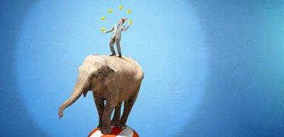 Pressesprecher übernehmen im Berufsalltag vielfältige Rollen. (c) Getty Images/Sergey_Nivens