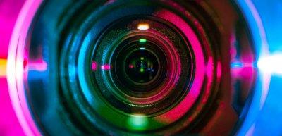 Video-Posts sind für Firmen auf Facebook das Mittel, um erfolgreich zu sein. (c) Getty Images / Denniro