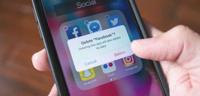 Unternehmen können sich von Facebook distanzieren. Doch ist das sinnvoll? (c) Getty Images/Wachiwit
