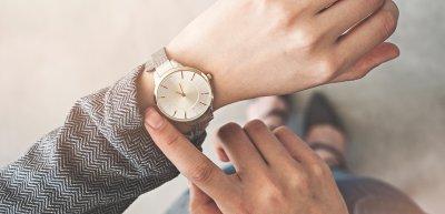 Wie halten es Kommunikatoren mit dem Thema Zeit? (c) Getty Images / seb_ra