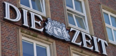 """Das Helmut-Schmidt-Haus in Hamburg ist das Zuhause der """"Zeit"""". Auch hier gilt aktuell Homeoffice first. (c) Picture Alliance/Bildagentur-online/Joko"""