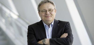 Daimler-Kommunikationschef Jörg Howe hält den persönlichen Kontakt zu Kolleg:innen und Journalist:innen für unabdingbar. Auch das Büro wird seiner Ansicht nach wieder an Bedeutung gewinnen. (c) Gerald Starke