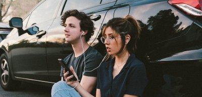 Marken brauchen Emotionen – Musik hilft ihnen dabei. (c) Wesley Tingey/Unsplash.com