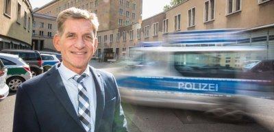 Der Berliner Polizeisprecher Thomas Neuendorf (c) Laurin Schmid/Quadriga Media