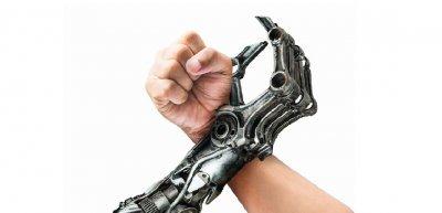 Wie wird die Kollaboration der Zukunft zwischen Mensch und Maschine aussehen? (c) Thinkstock/fotoslaz
