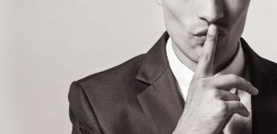 Verschwiegenheit und Zurückhaltung sind unbedingte Voraussetzungen für erfolgreiche Kommunikationsarbeit. (c) Thinkstock/kieferpix