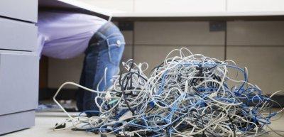 Kabelsalat beim IT-Projekt Herkules (c) Thinkstock/Fuse