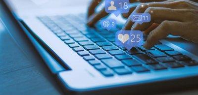 Facebook integriert Instagram und Whatsapp mit der Umbenennung noch stärker in den Gesamtkonzern. (c) Getty Images / Urupong