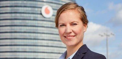Vodafone-Kommunikatorin und DPOK-Juryvorsitzende Caren Altpeter im Interview. (c) Vodafone