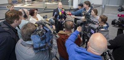Nach Bekanntgabe der Erkrankung eines Mitarbeiters erhielt Webasto bis zu 90 Medienanfragen pro Tag. CEO Holger Engelmann trat deshalb mehrfach selbst vor die Presse. (c) Webasto Group