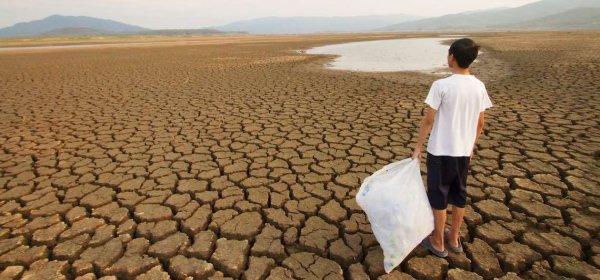 Klimawandelleugner verbreiten Desinformation auf Youtube. / Klimawandel: (c) Getty Images/piyaset