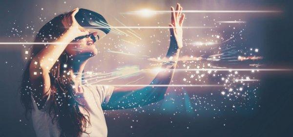 Immersive Medien wie Virtual oder Augmented Reality ermöglichen eine emotionale Verbindung mit Inhalten – ideal für die Unternehmenskommunikation. (c) Getty Images/Melpomenem