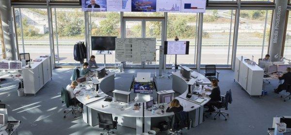 Newsrooms wie hier bei der Lufthansa haben sich in der Coronakrise bewährt. Das Foto wurde vor der Coronakrise aufgenommen. (c) Lufthansa
